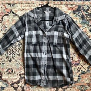 North face gingham button down shirt small ❄️❤️